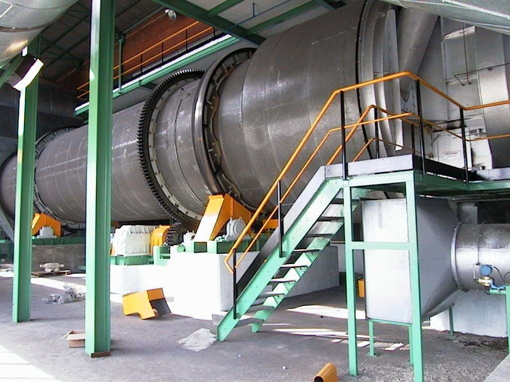 Rotary drum dryer for sugar during installation